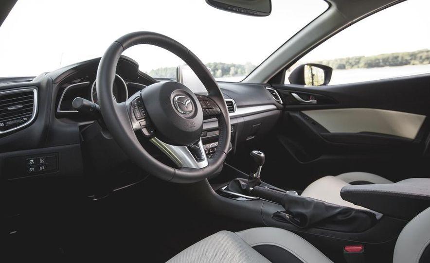 2015 Mazda 3 2.5L hatchback - Slide 17