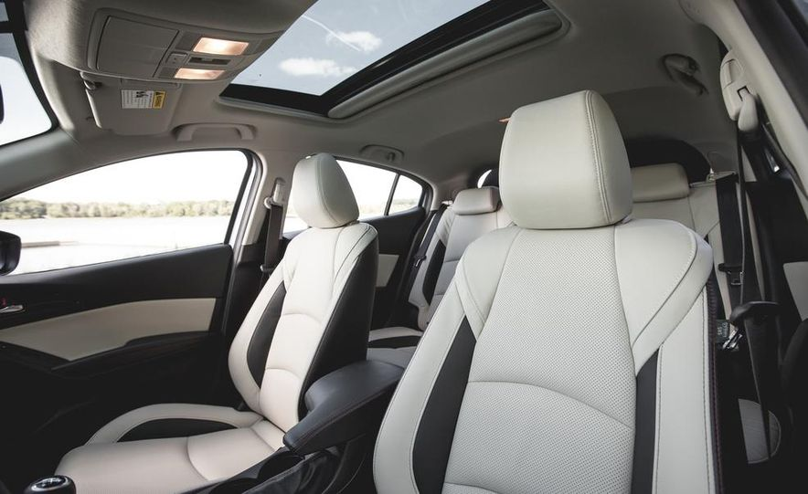 2015 Mazda 3 2.5L hatchback - Slide 24