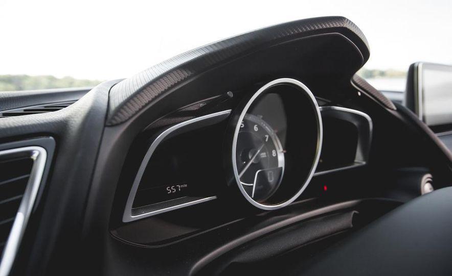 2015 Mazda 3 2.5L hatchback - Slide 29