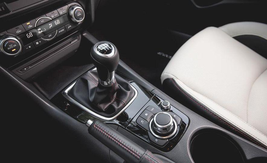 2015 Mazda 3 2.5L hatchback - Slide 36