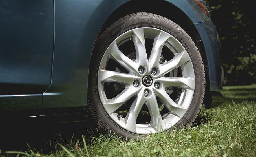 2015 Mazda 3 2.5L hatchback - Slide 10