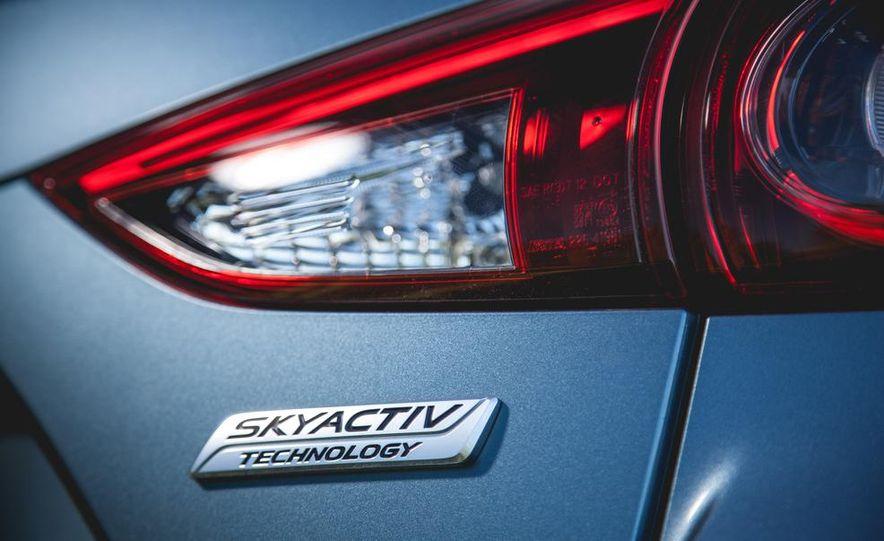 2015 Mazda 3 2.5L hatchback - Slide 13