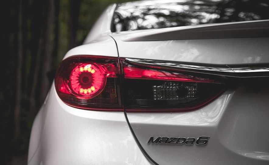 2015 Mazda 6 with i-eLOOP Energy Recuperation - Slide 8