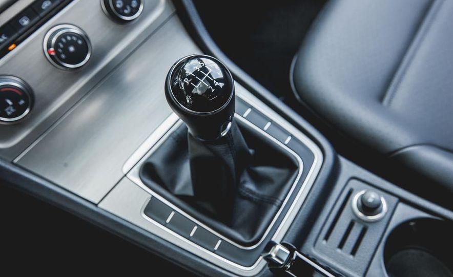 2015 Volkswagen GTI - Slide 50
