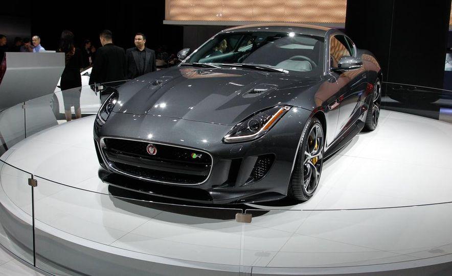 2016 Jaguar F-type R coupe AWD - Slide 3