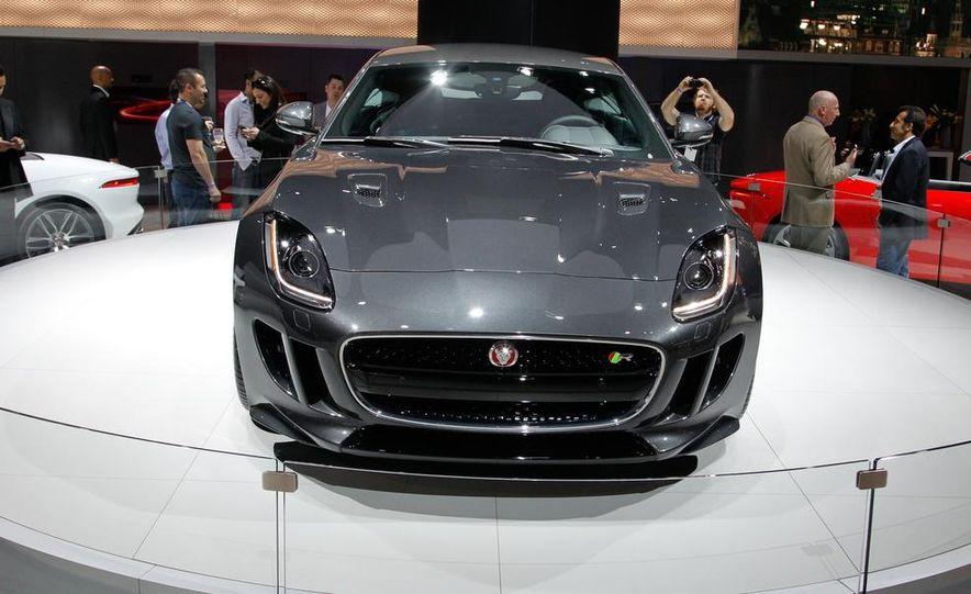 2016 Jaguar F-type R coupe AWD - Slide 4
