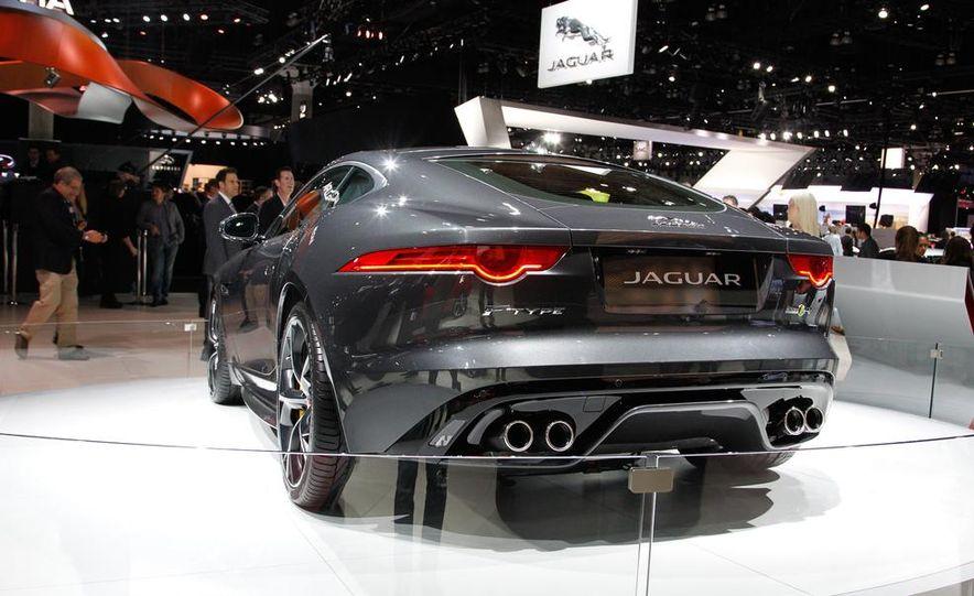 2016 Jaguar F-type R coupe AWD - Slide 7