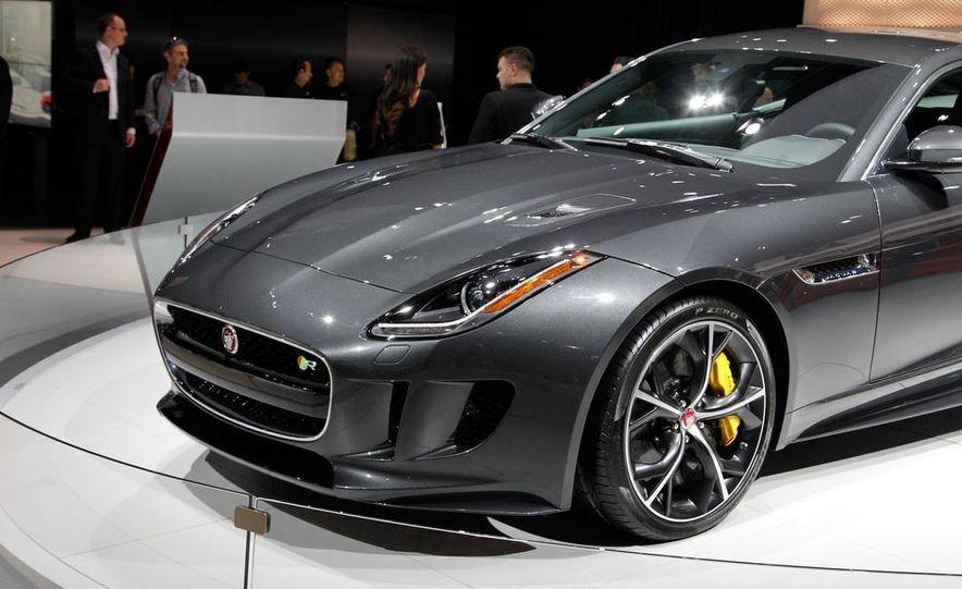 2016 Jaguar F-type R coupe AWD - Slide 8