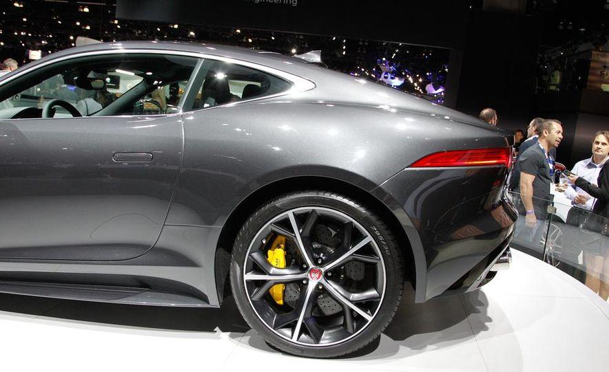 2016 Jaguar F-type R coupe AWD - Slide 13