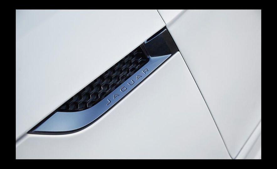 2016 Jaguar F-type R coupe AWD - Slide 33