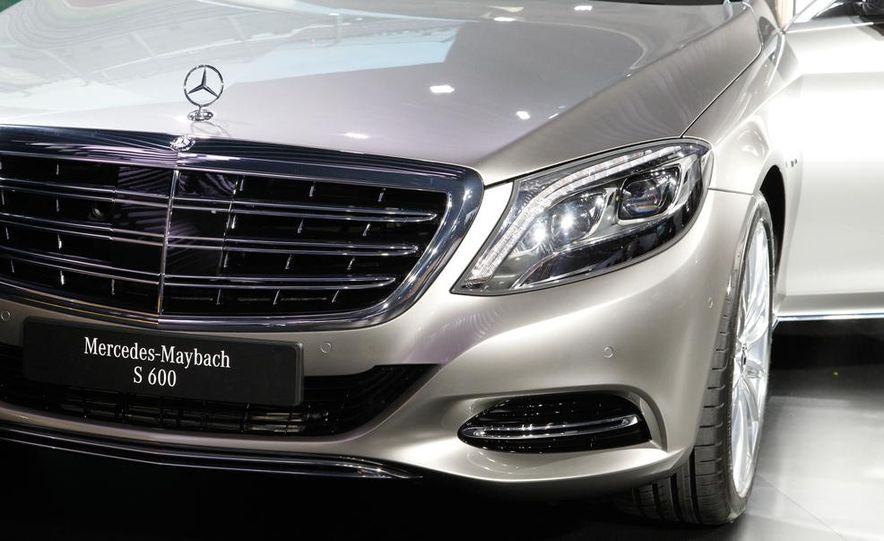 2016 Mercedes-Maybach S600 - Slide 15