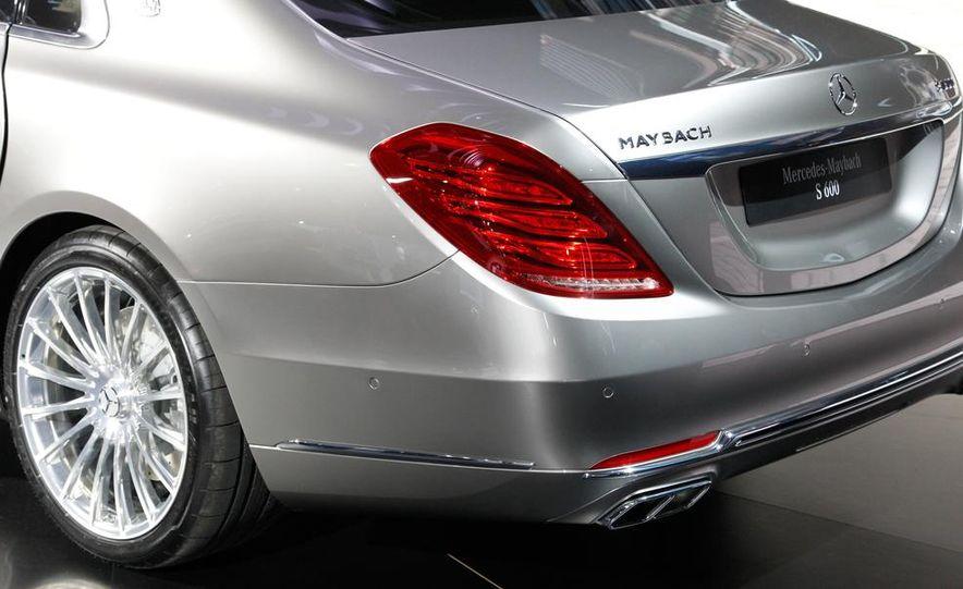 2016 Mercedes-Maybach S600 - Slide 18