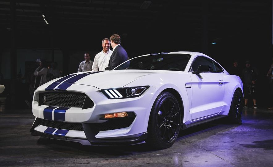 2016 Ford Mustang Shelby GT350 - Slide 30