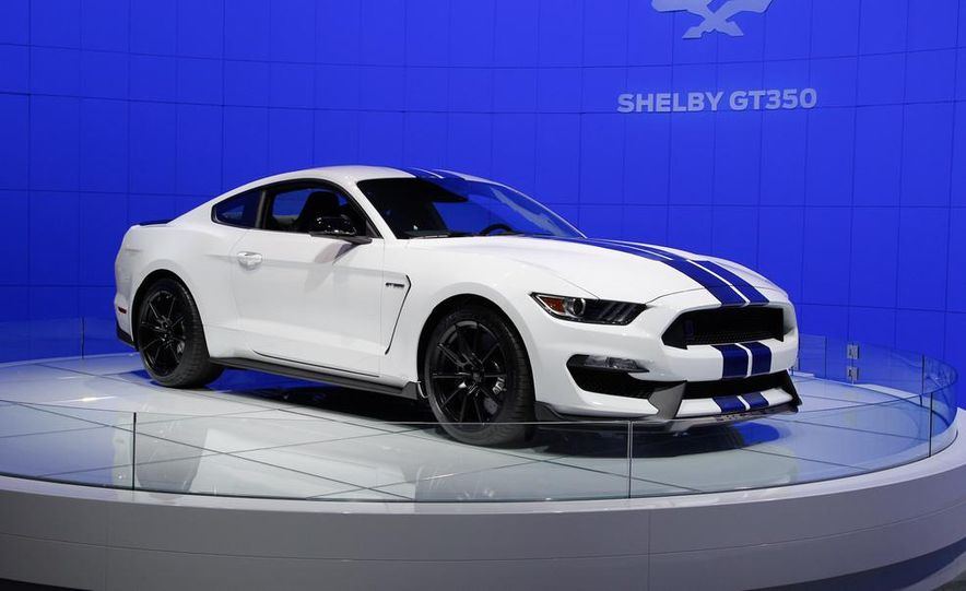 2016 Ford Mustang Shelby GT350 - Slide 14