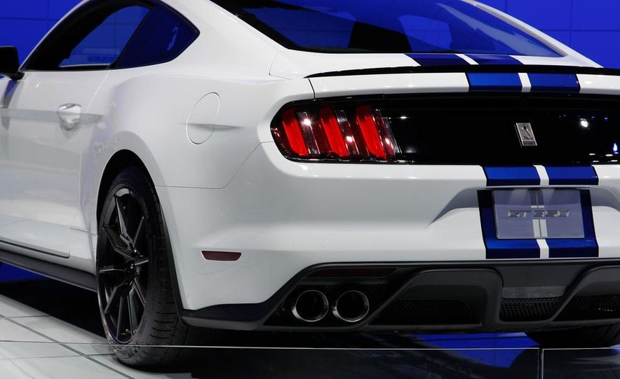 2016 Ford Mustang Shelby GT350 - Slide 27