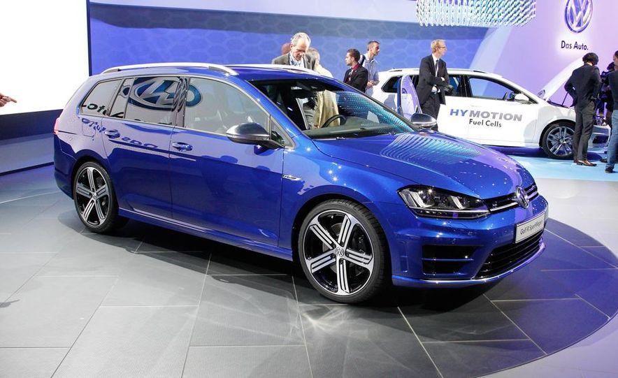 2015 Volkswagen Golf R SportWagen - Slide 1
