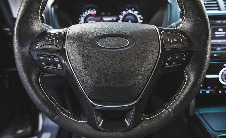 2016 Ford Explorer Platinum - Slide 35