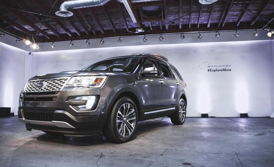 2016 Ford Explorer Platinum - Slide 1