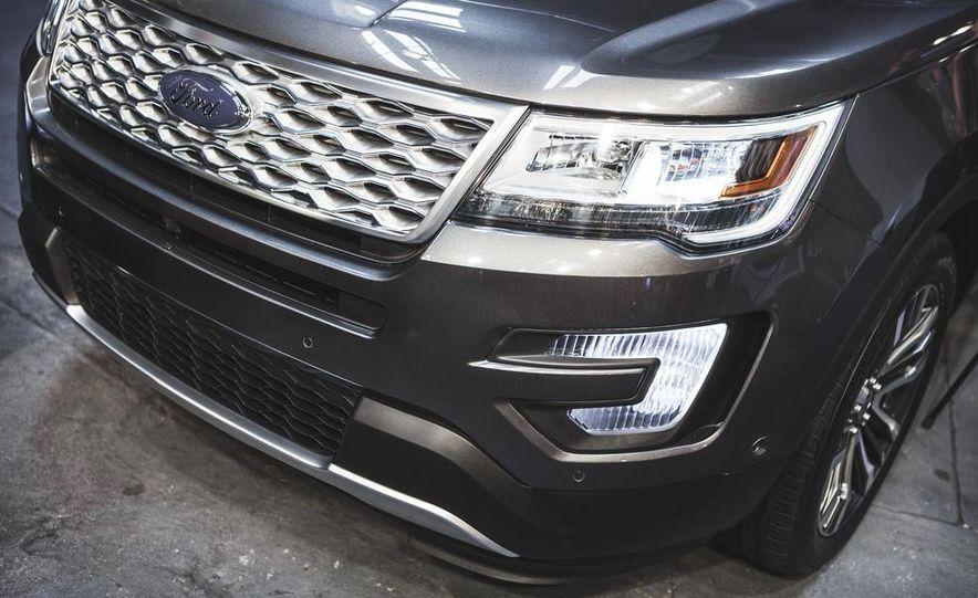 2016 Ford Explorer Platinum - Slide 9