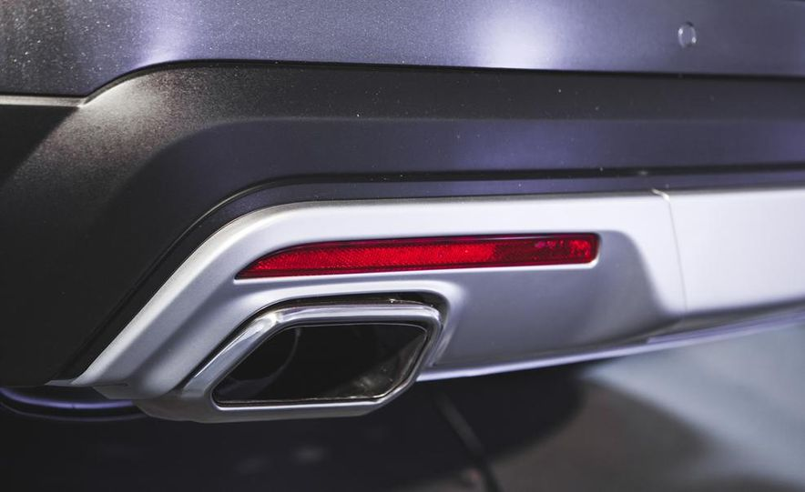 2016 Ford Explorer Platinum - Slide 20