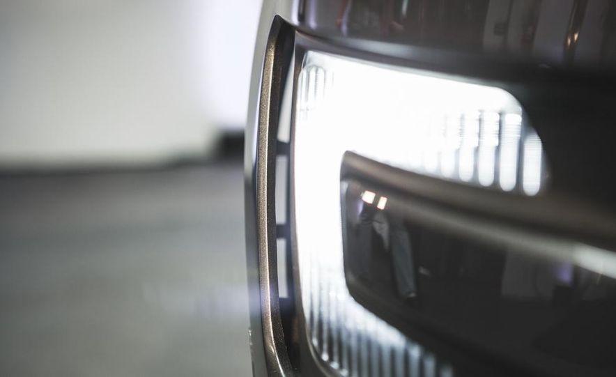 2016 Ford Explorer Platinum - Slide 27