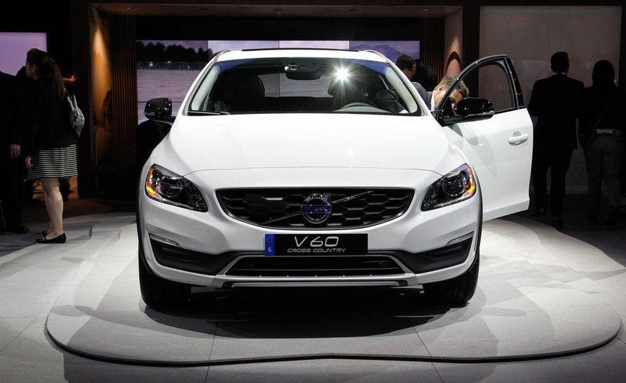 2015 Volvo V60 Cross Country - Slide 4