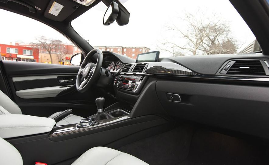 2015 BMW M3 - Slide 47