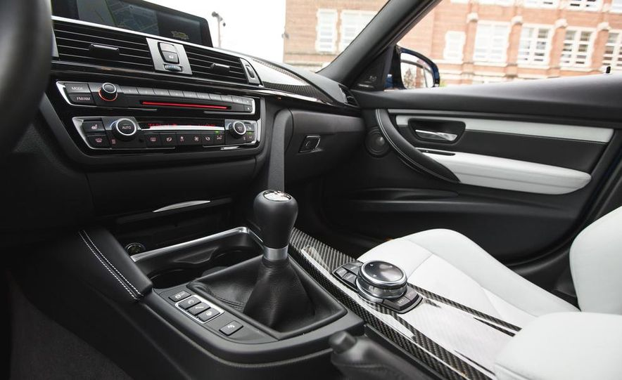 2015 BMW M3 - Slide 55