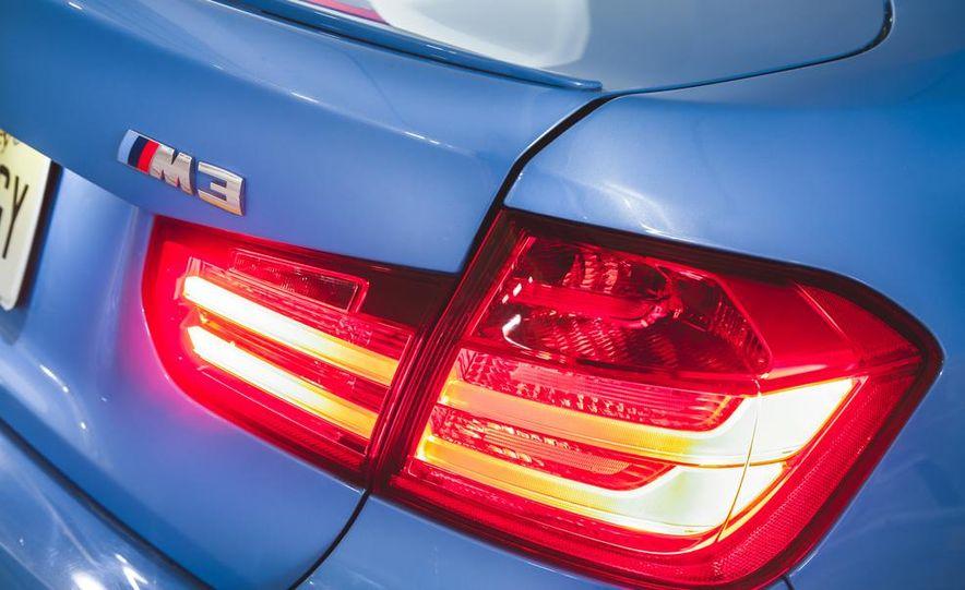 2015 BMW M3 - Slide 28