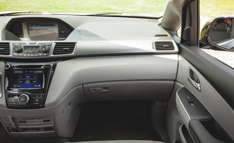 2017 Honda Odyssey (spy photo) - Slide 39