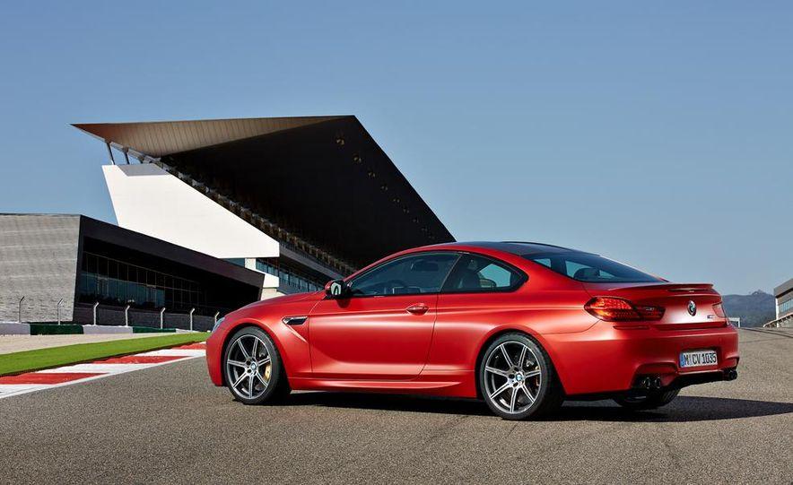 2015 BMW M6 coupe - Slide 19