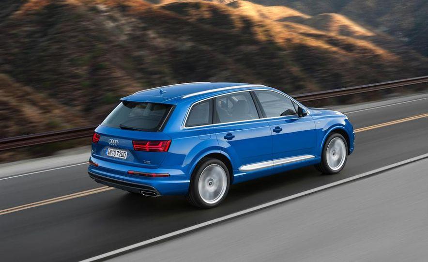 2016 Audi Q7 - Slide 2