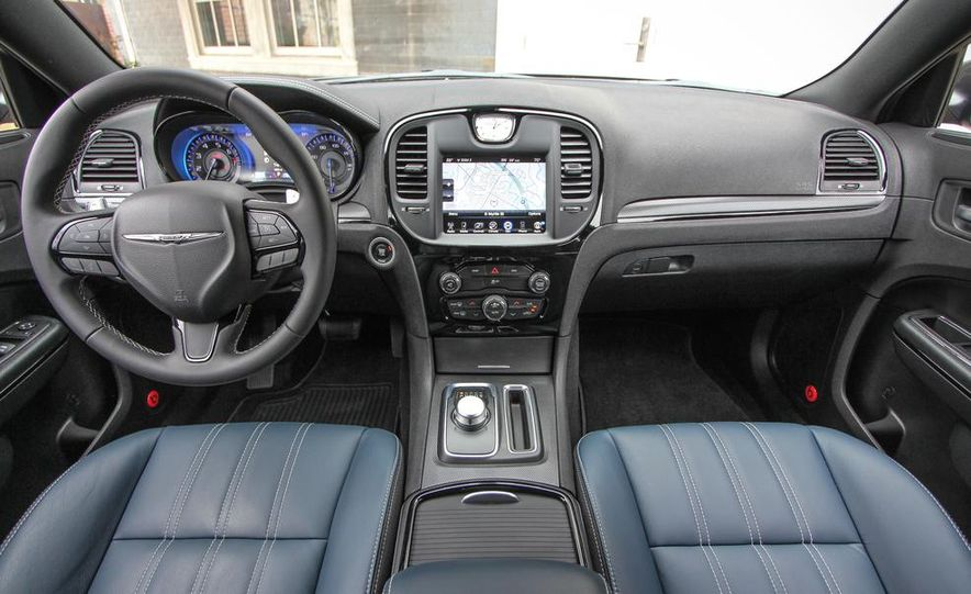 2015 Chrysler 300S - Slide 13