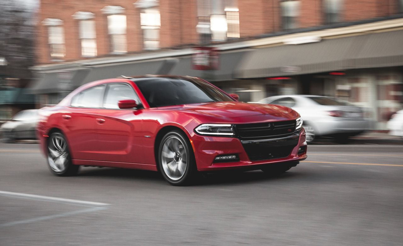 How much horsepower does a 2008 dodge charger rt have