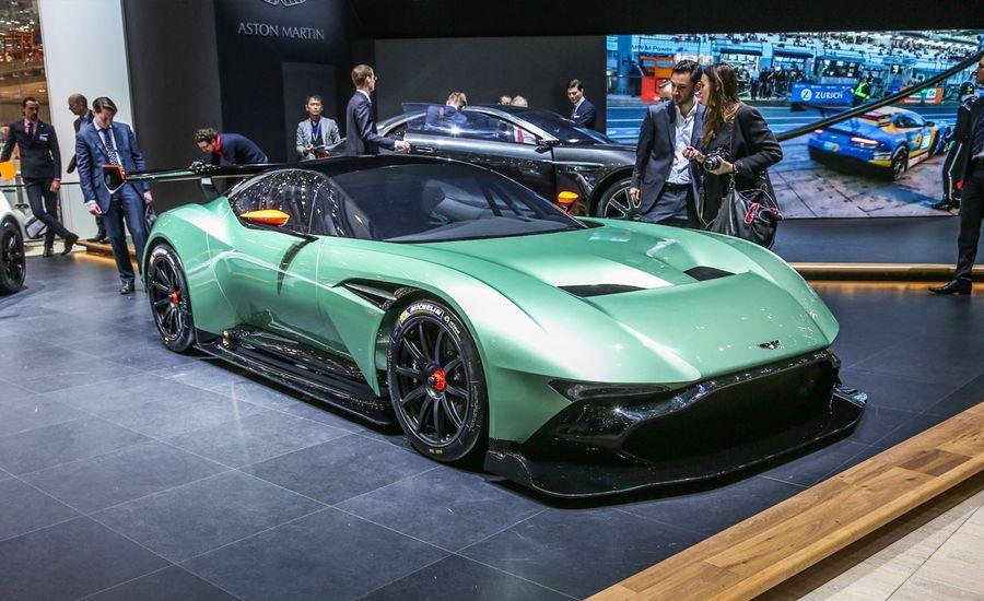 2016 Aston Martin Vulcan: Ready to Bomb the World's Racetracks