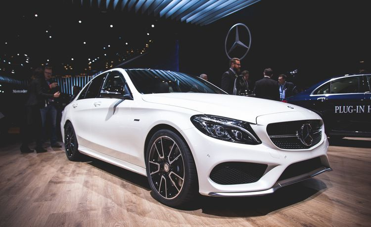 2016 Mercedes-Benz C450 AMG 4MATIC Revealed, Is Almost a Full-Tilt AMG