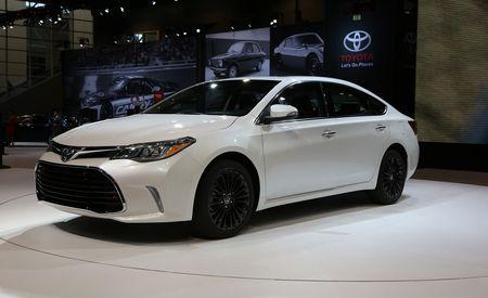2016 Toyota Avalon Debuts