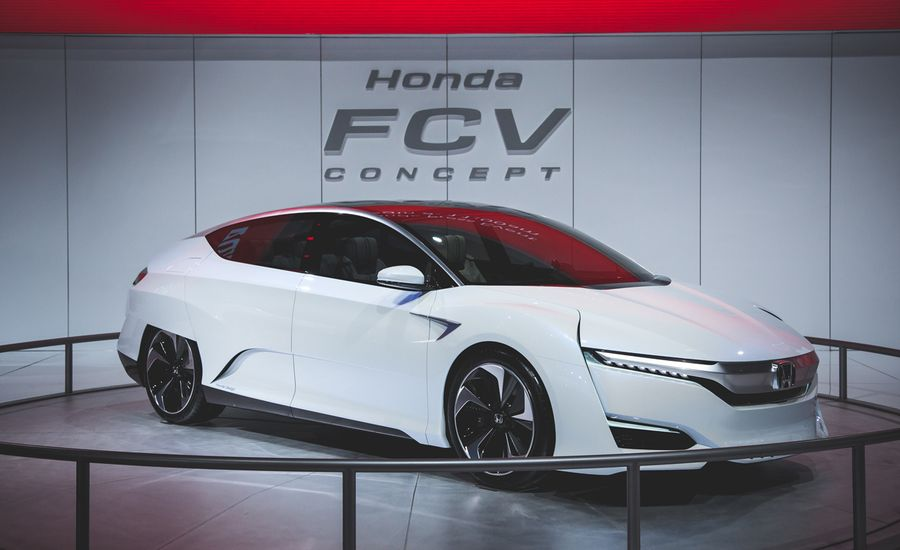 Honda FCV Fuel-Cell Concept: It Looks as Futuristic as the Tech that Makes It Go