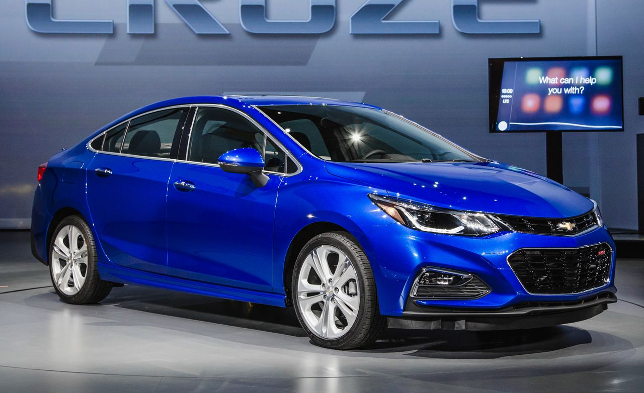 2016 Chevrolet Cruze: The Second-Gen Car Arrives Lighter, Stronger, and Tech-ier