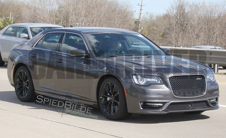 2016 Chrysler 300 SRT: It's Alive