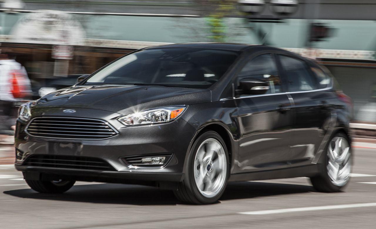 2015 Ford Focus Titanium Hatchback Manual