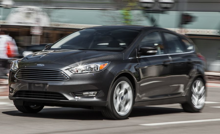 2015 Ford Focus Titanium Hatchback Manual