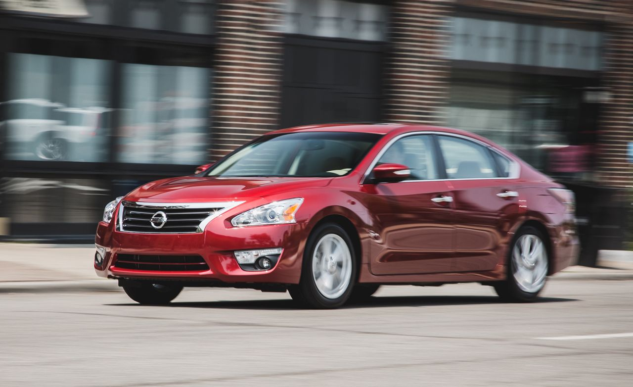 Nissan Altima: Dimensions and weights