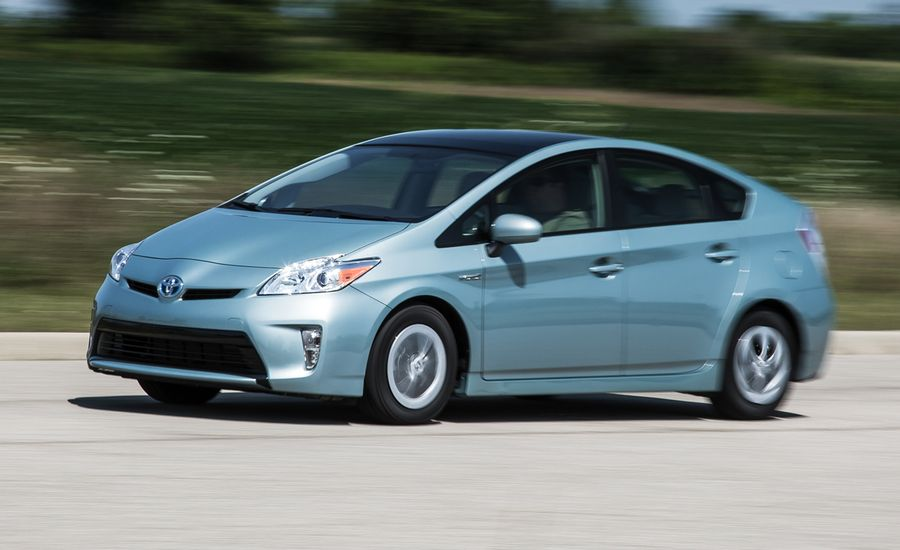 2015 toyota prius review car and driver. Black Bedroom Furniture Sets. Home Design Ideas