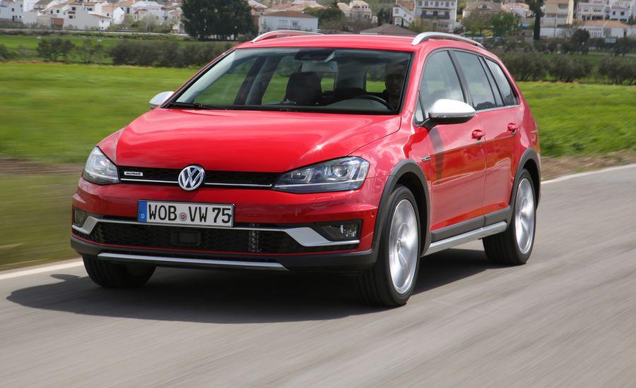2017 Vw Golf Sportwagen Alltrack First Drive Review Car And Driver Volkswagen