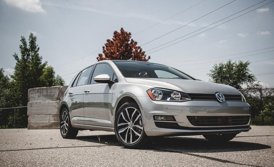 2015 volkswagen golf tdi 60 second review video car and driver. Black Bedroom Furniture Sets. Home Design Ideas