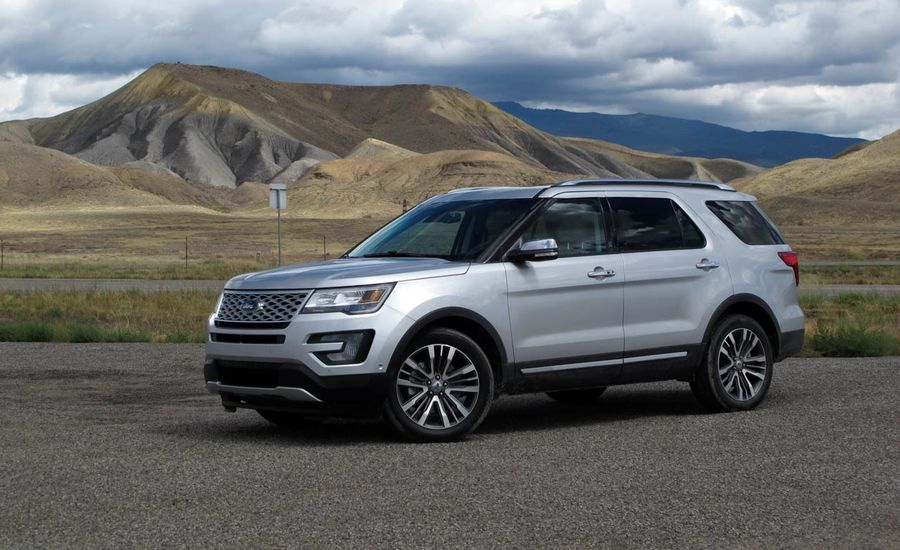 2016 ford explorer platinum first drive review car and driver. Black Bedroom Furniture Sets. Home Design Ideas