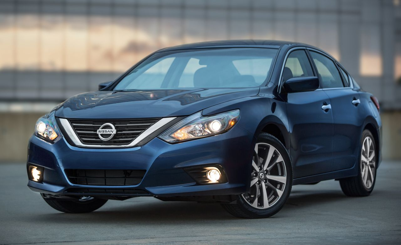 2019 Nissan Altima Reviews Price Photos And Specs Car Driver