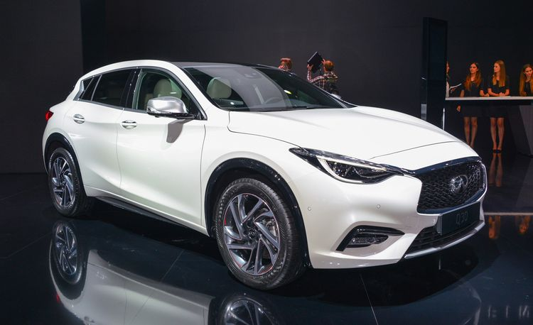 2017 Infiniti Q30 Debuts, Brings Several Brand Firsts