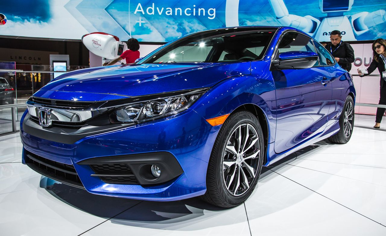 Elegant 2016 Honda Civic Coupe Debuts: Same Virtues, Hotter Look